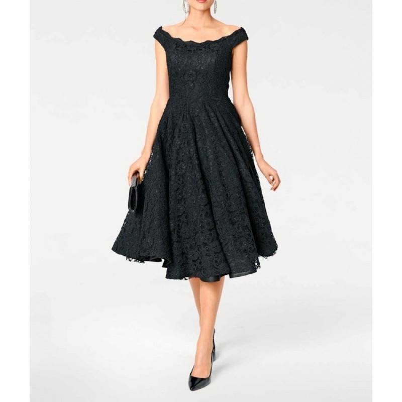 Čipkované koktejlové šaty Ashley Brooke, čierna