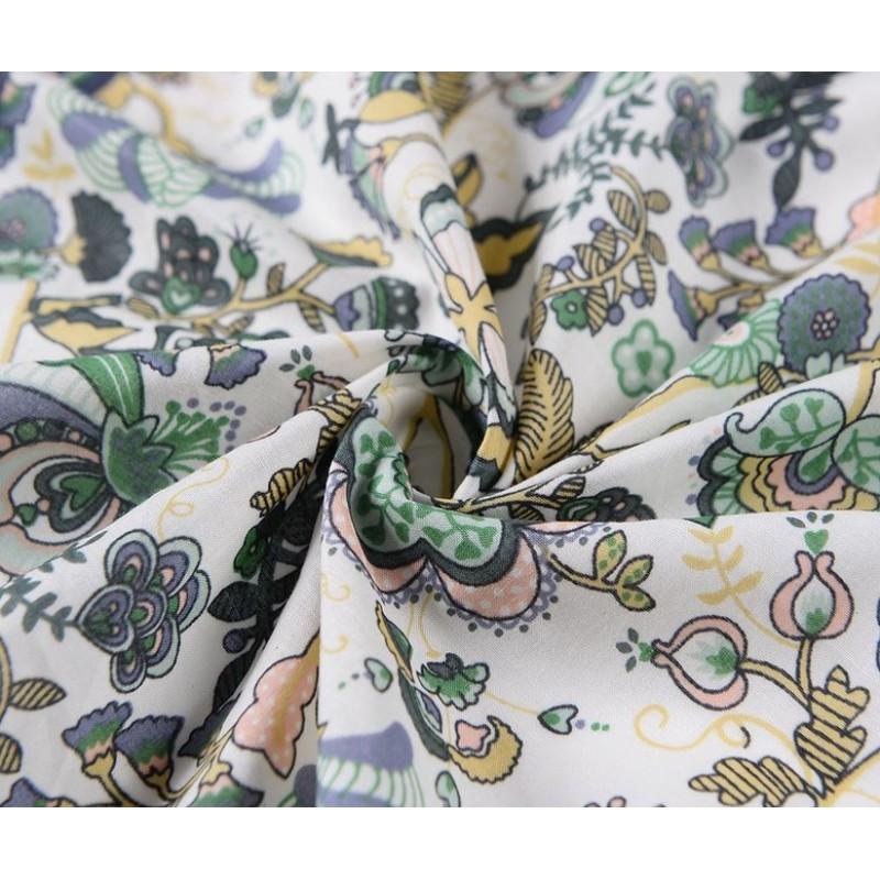 Bavlnená štvorcová kvetovaná šatka, farebná