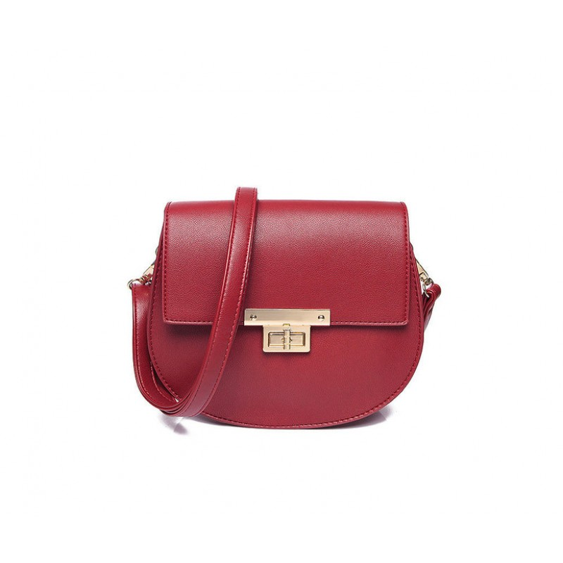 Crossbody červená kabelka so sponou zlatej farby
